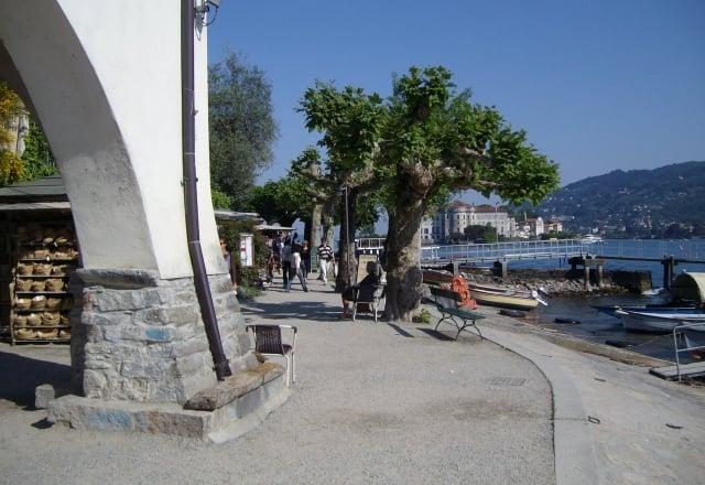 Isola Bella vista dall'Isola Pescatori